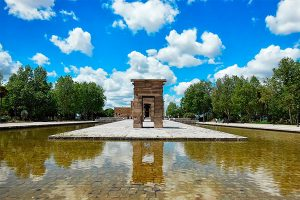 Best plans for a family picnic in Madrid - Templo Debod